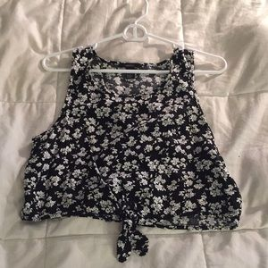 Forever 21 Black and white flower tie crop top